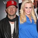 Donnie Wahlberg and Jenny McCarthy - 356 x 534