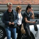 Lisa Rinna is seen out doing some shopping with her family in Los Angeles, California on March 26, 2017 - 420 x 600
