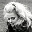 Jane Fonda - 323 x 423