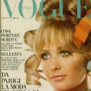 Sue Murray - Vogue Magazine Cover [Italy] (October 1967)