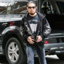 Dave Navarro is spotted out and about in New York City, New York on December 17, 2014 - 402 x 594