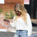 LeAnn Rimes in Ripped Jeans – Out for lunch in Hollywood - 454 x 681