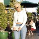 Amber Rose and Kat Von D have lunch at Urth Caffe in West Hollywood, California - February 10, 2014 - 454 x 774