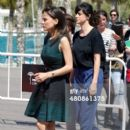 Spanish actress Elena Anaya (L) and director Beatriz Sanchis (R) attend the 'Todos Estan Muertos' photocall during the 17th Malaga Film Festival 2014 - Day 7 on March 27, 2014 in Malaga, Spain. - 396 x 594