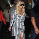 Jessica Simpson is seen as she arrives to Los Angeles Int'l Airport from NYC Friday September 11,2015 - 414 x 600