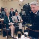 Lesley Stahl With President Clinton - 454 x 255