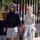 Nina Agdal and her boyfriend Jack Brinkley – Walking their dog in New York - 454 x 681