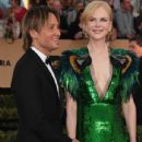 Keith Urban and Nicole Kidman : 23rd Annual Screen Actors Guild Awards - 435 x 600