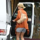 Britney Spears At A Nail Salon In Thousand Oaks