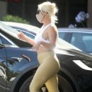 Lady Gaga in Leggings – Picking up food in Malibu