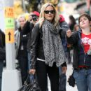 "Malin Akerman on the set of ""Wanderlust"" in NYC (November 19 2010)"