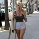 Courtney Stodden in Shorts Out in Beverly Hills - 454 x 721