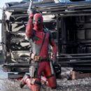 Deadpool (2016) - 454 x 303