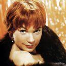 Shirley MacLaine - 400 x 400