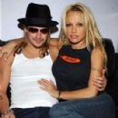 Kid Rock and Pamela Anderson - 294 x 452
