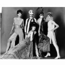 Ann Norman, Jill Kennington, Peggy Moffitt, Rosaleen Murray, Melanie Hampshire - 454 x 438