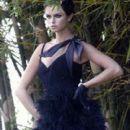 Ana Carolina Reston - 400 x 600