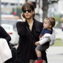 Jessica Alba Takes A Stroll With Honor In Beverly Hills, 2009-04-02