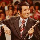 Monty Hall - 454 x 561