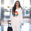 Camila Alves – Arrives at JFK Airport in New York - 454 x 681