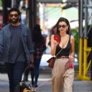 Emily Ratajkowski – Takes her pup Colombo to the park in New York City