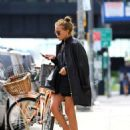 Mary Kate Olsen: leaving La Perla in New York City