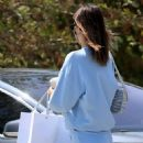 Kendall Jenner – Shopping in Malibu