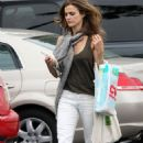 Keri Russell Shopping In Brentwood 2007-11-01