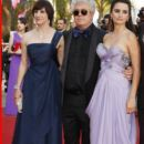 Celebrities walk the red carpet for the 'Los Abrazos Rotos' premiere at the 62nd International Cannes Film Festival, May 19, 2009  - 394 x 589