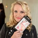 Emily Osment Kari Feinsteins Pre Golden Globes Style Lounge In West Hollywood