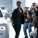 Kim Kardashian spotted out for lunch at Cafe Vega in Sherman Oaks, California on February 8, 2017 - 421 x 600