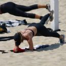 Maria Sharapova – In a sports bra on the beach in Los Angeles - 454 x 310