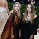 Mary-Kate and Ashley Olsen – 2018 MET Costume Institute Gala in NYC - 454 x 485