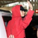 Demi Lovato – Arriving in Mexico City