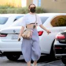 Jessie J – Out in Santa Monica - 454 x 571