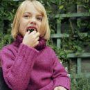 Julia Joyce - 371 x 460