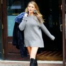 Blake Lively in a cute grey outfit out in New York - 454 x 631