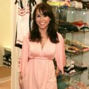 Lacey Chabert - Shopping At Intuition 5-15-06