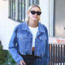 Hailey Baldwin – Wearing plaid trousers in LA