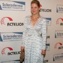"Candace Cameron Bure - 16 ""Cool Comedy - Hot Cuisine"" Benefiting Scleroderma Research Foundation In LA, 06.04.2006."