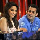 Salman Khan On The Sets Of Jhalak Dikhhla Jaa 6 - 454 x 454