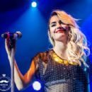 Lali in La Plata by Mostacho Foto