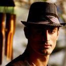 Actor Mohit Raina Pictures - 454 x 386