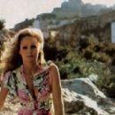 Ursula Andress - 454 x 306