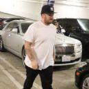Blac Chyna, Rob Kardashian, and Kim Kardashian Visit an OBGYN'S Office in Los Angeles, California - April 26, 2016 - 454 x 681