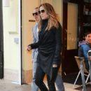 Jennifer Lopez & Casper Smart - 454 x 652