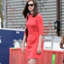 Anne Hathaway On The Set Of The Intern In Brooklyn