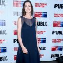 Anne Hathaway The Public Theaters Annual Gala In Ny