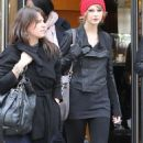 Taylor Swift goes for a walk