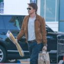 Olivier Martinez spotted grocery shopping at Bristol Farms in Beverly Hills, California on January 8, 2016 - 400 x 600